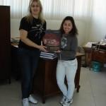 """Cenpáleo distribui para as escolas da Região o livro de divulgação científica """"Museus e Fósseis da Região Sul do Brasil"""""""